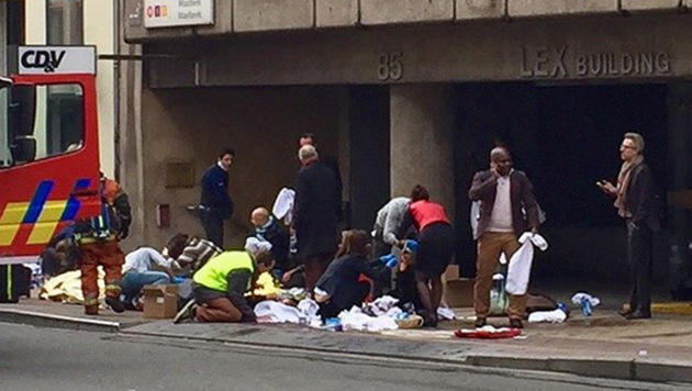 Blutbad in Brüssel: Rache-Terror im Herzen Europas (Bild: twitter.com/christogrozev)