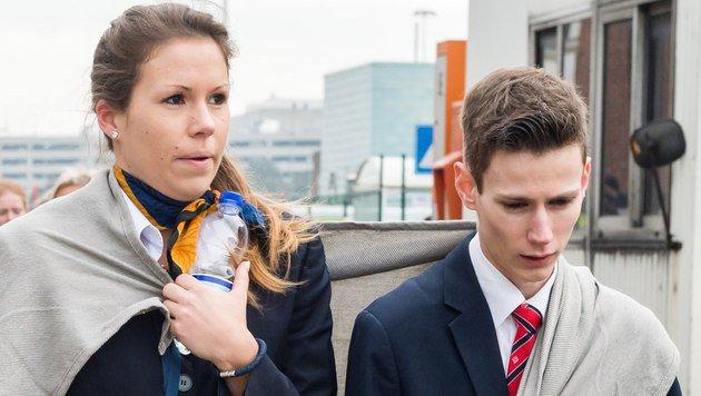 """Flugbegleiterin wird zum """"Gesicht des Terrors"""" (Bild: AP)"""