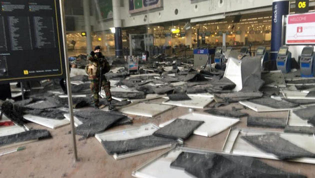 Blutbad in Brüssel: Rache-Terror im Herzen Europas (Bild: twitter.com/GuillaumeAuda)