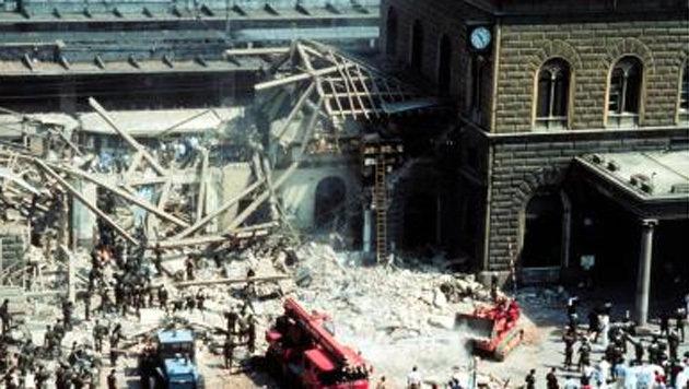 1980: Bombenanschlag der rechtsextremen Terrororganisation NAR mit 85 Toten im italienischen Bologna (Bild: Screenshot/Wikipedia)