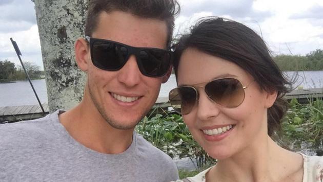 Dominic Thiem strahlt - aus gutem Grund: Seine Freundin Romana ist zu Besuch. (Bild: Instagram)
