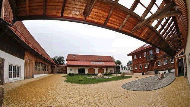 Dieses Anwesen in Waldzell (OÖ) steht im Mittelpunkt des Verfahrens. (Bild: Markus Tschepp)