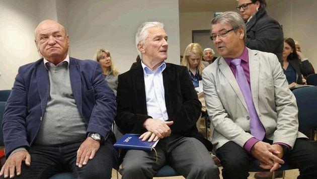 Ex-Geschäftsführer, Ex-Präsident und Ex-Finanzreferent auf der Anklagebank vereint (Bild: Markus Tschepp)