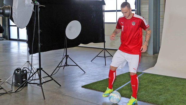 "Marko Arnautovic machte beim Shooting als ""Model"" gute Figur. (Bild: Gerhard Gradwohl)"