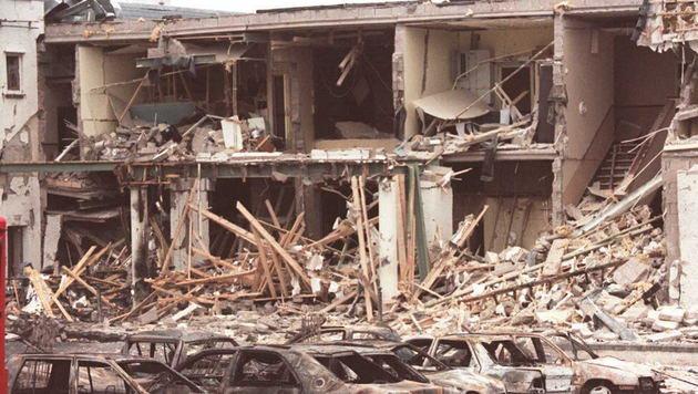 Ein Anschlag der IRA in Nordirland aus dem Jahr 1994 in der Stadt Enniskillen (Bild: GERRY PENNY / AFP / picturedesk.com)
