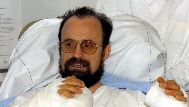 Polizist Theo Kelz verliert 1994 beide Hände, 2000 glückt eine Transplantation zweier fremder Hände. (Bild: APA/Bernhard Grossruck)