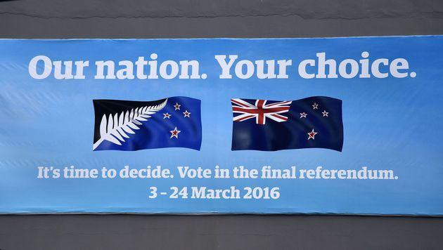 Neuseeländer behalten die alte Nationalflagge (Bild: APA/AFP/Marty Melville)