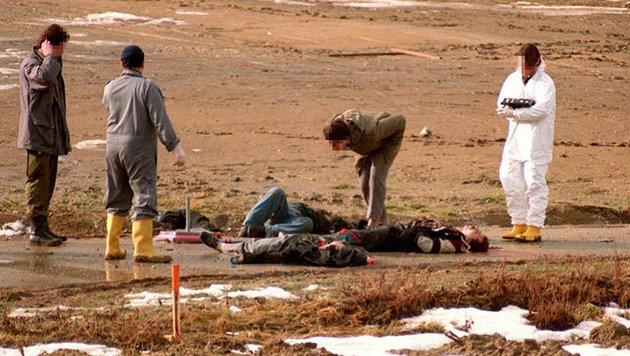 Am 4. Februar 1995 tötet eine Rohrbombe in Oberwart vier Roma. (Bild: APA/Ulrich Schnarr)
