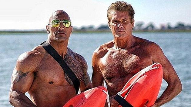 """Dwayne """"The Rock"""" Johnson hat den """"Hoff"""" für den neuen """"Baywatch""""-Film zurück vor die Kamera geholt. (Bild: instagram.com/davidhasselhoff)"""