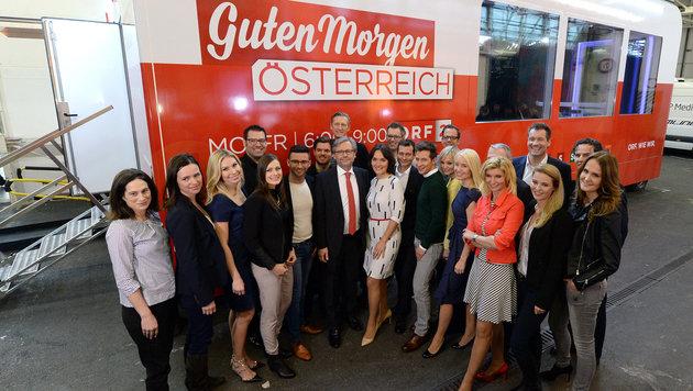 Das gesamte ORF-Frühstücksteam (Bild: APA/ROLAND SCHLAGER)