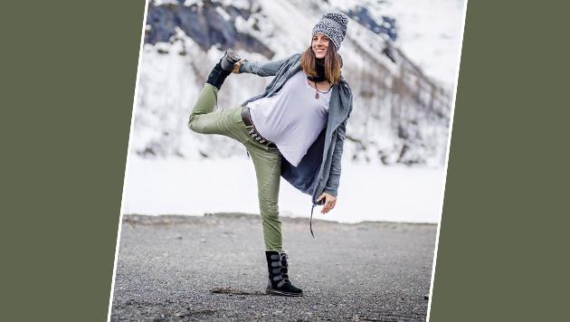 Snowboard-Olympiasiegerin Julia Dujmovits macht auch auf einem Bein eine gute Figur. (Bild: facebook.com)