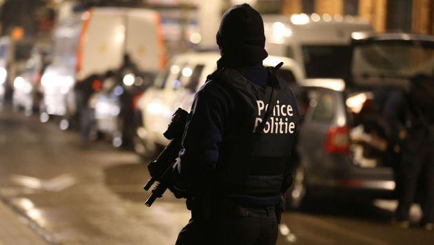 Brüssel: Mann mit Sprengstoff bei Razzia verhaftet (Bild: APA/AFP/Belga/NICOLAS MAETERLINCK)