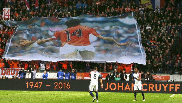 Frankreich besiegt Holland bei Cruyff-Gedenken (Bild: AP)