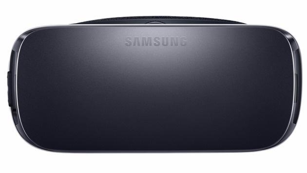 Die Front der Gear VR ist abnehmbar und bietet so zusätzlichen Schutz für das Smartphone dahinter. (Bild: Samsung)