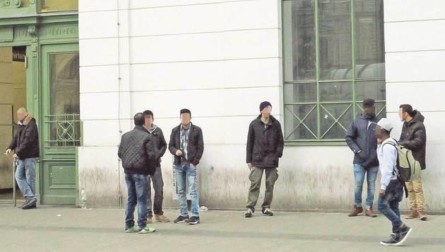 """""""Drogendealer entlang der U6: Polizei rüstet auf (Bild: Zwefo)"""""""