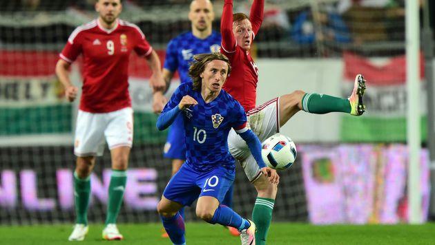 ÖFB-Gruppengegner Ungarn holt gegen Kroatien 1:1 (Bild: APA/AFP/ATTILA KISBENEDEK)