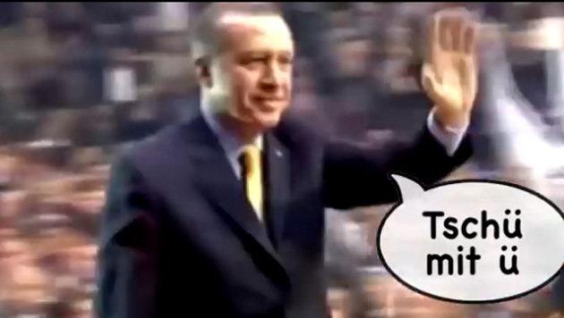 Dieses TV-Video brachte Erdogan zur Weißglut (Bild: YouTube.com/extra3)