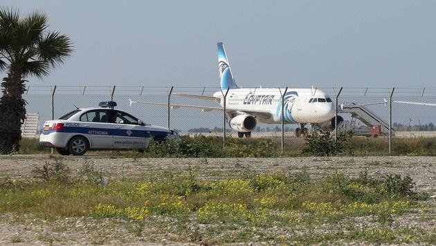 EgyptAir-Entführer beantragt Asyl in Zypern (Bild: APA/AFP/STR)