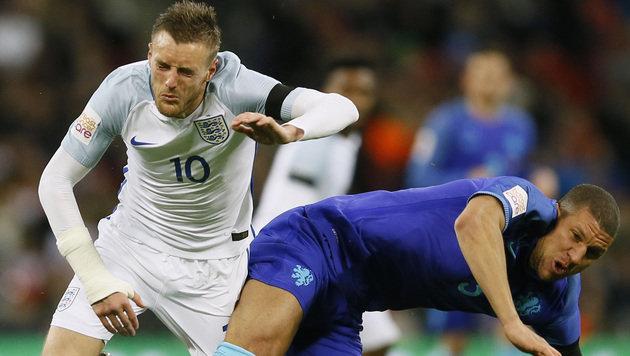Holland überrascht mit 2:1 in England (Bild: AP)