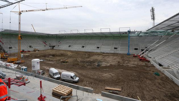 Nicht hier, sondern auf einem Trainingsplatz neben der Stadionbaustelle will Rapid trainieren. (Bild: GEPA)