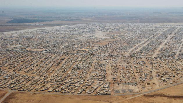 Das Flüchtlingslager Zaatari in Jordanien, acht Kilometer von der syrischen Grenze entfernt. (Bild: APA/AFP/AFP POOL/MANDEL NGAN)