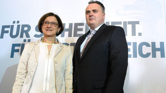 Johanna Mikl-Leitner und Hans Peter Doskozil (Bild: APA/HELMUT FOHRINGER)