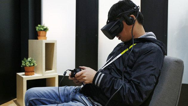 Oculus sperrt Nutzer des Rivalen HTC Vive aus (Bild: AP)