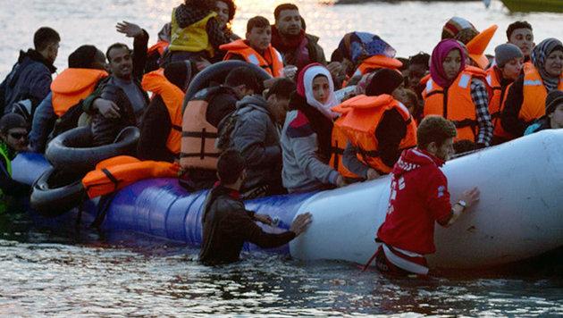 Nach der Schlie�ung der Westbalkanroute suchen sich Migranten neue Wege, um nach Europa zu kommen. (Bild: AFP)
