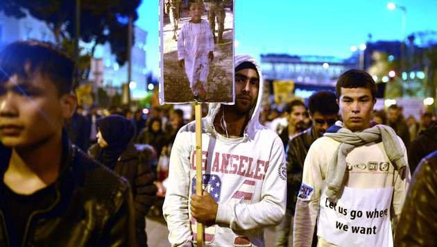 Migranten protestierten gegen Abschiebungen (Bild: AFP)