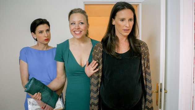 Martina Ebm (Caroline Melzer), Nina Proll (Nicoletta Huber), Maria Köstlinger (Waltraud Steinberg) (Bild: ORF)
