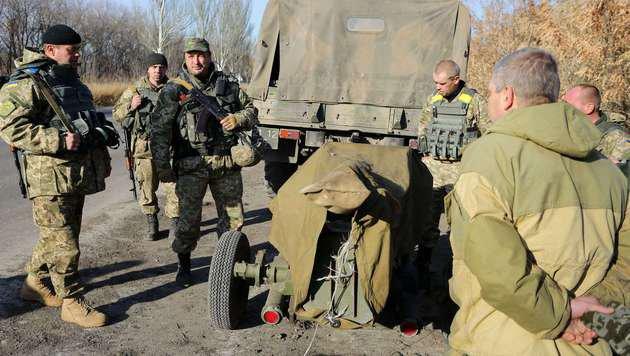 Prorussische Rebellen besetzten Regionen in der Ostukraine (Bild: APA/AFP/ALEKSEY FILIPPOV)