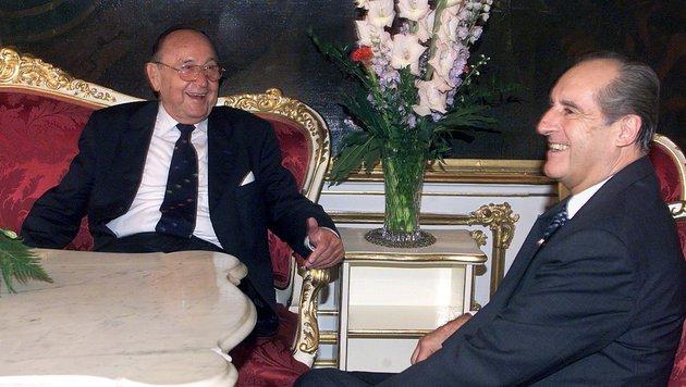 Genscher mit dem verstorbenen österreichischen Bundespräsidenten Thomas Klestil (Bild: APA/PFARRHOFER HERBERT)