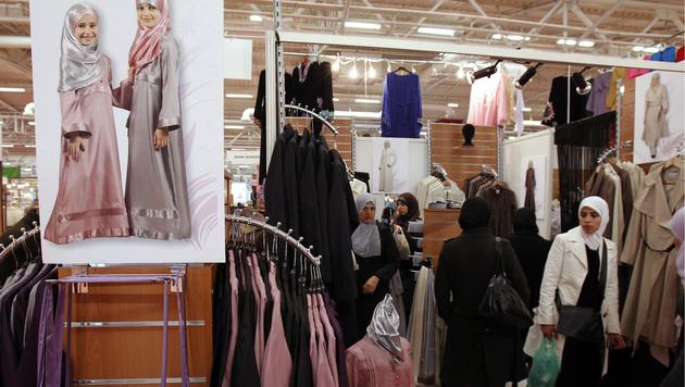 Islamische Mode in Frankreich (Bild: JOEL SAGET/AFP/picturedesk.com)