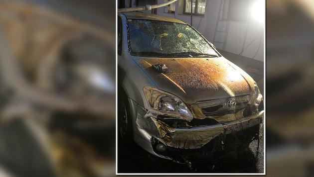 Ein durch die Hitze völlig zerstörtes Auto (Bild: zeitungsfoto.at/Daniel Liebl)