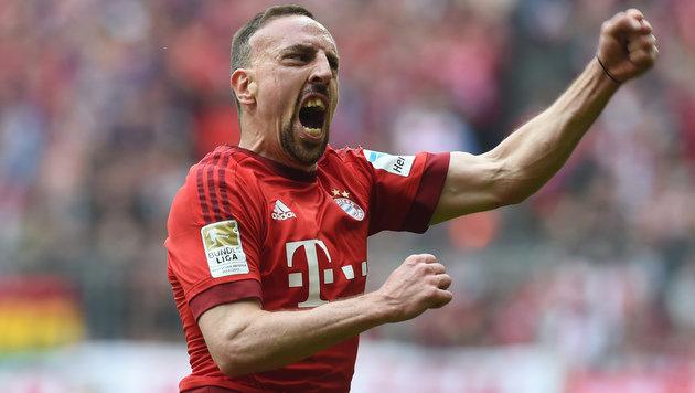 Ribery-Traumtor bei Bayern-Sieg gegen Frankfurt! (Bild: APA/AFP/CHRISTOF STACHE)