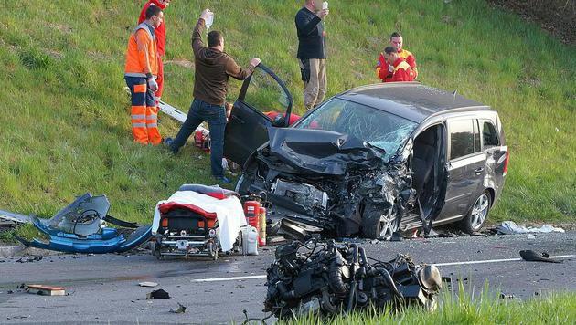 28-jährige Steirerin bei Frontalkollision getötet (Bild: APA/LFV/FRANZ FINK)