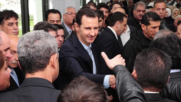 Assad muss Aufstand der engsten Getreuen fürchten (Bild: APA/AFP/SANA/STRINGER)