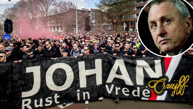 Video: Ajax-Fans verabschieden sich von Cruyff (Bild: APA/AFP/ANP/KOEN VAN WEEL)