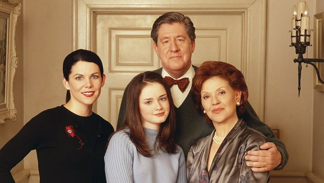 "Edward Herrmann und Kelly Bishop in ""Gilmore Girls"" (Bild: facebook.com/GilmoreGirls)"