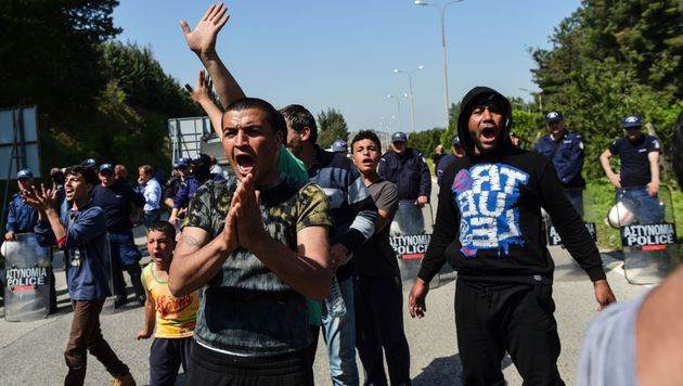 Abschiebungen in die T�rkei vorerst gestoppt (Bild: APA/AFP/BULENT KILIC)