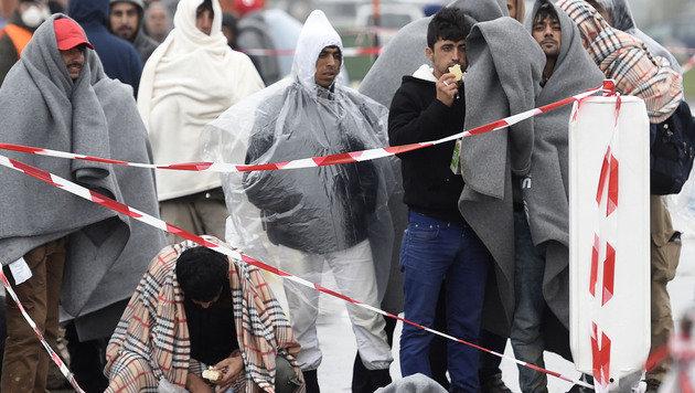 Die Regierung will Maßnahmen gegen die steigende Zahl von Asylanträgen im Burgenland setzen. (Bild: APA/HELMUT FOHRINGER)
