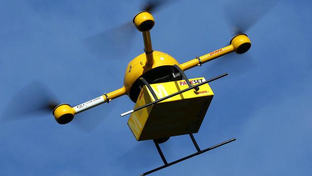 DHL vermeldet erfolgreiche Paketdrohnen-Tests (Bild: APA/dpa/Oliver Berg)