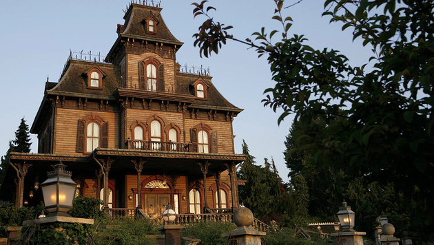 Disneyland Paris: Echte Leiche lag im Geisterhaus (Bild: facebook.com/disneylandparis)