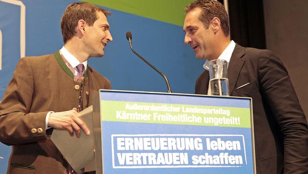 Ragger und Bundesparteichef Strache (Bild: APA/Gert Eggenberger)