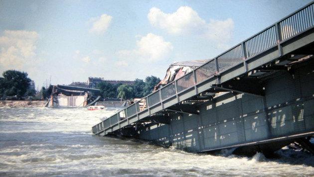 Im Vordergrund: Die Auffahrt auf der Donauinsel-Seite (Bild: Helmut Krcal)