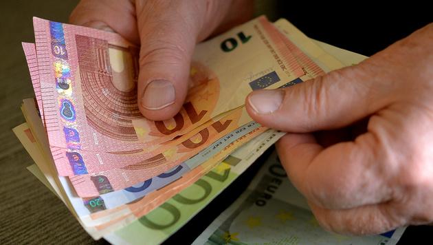 Pensionisten bekommen nun doch Extra-Hunderter (Bild: APA/Barbara Gindl)