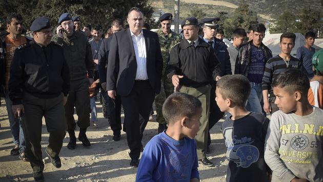 Doskozil im griechischen Flüchtlingslager Shistos nahe Piräus (Bild: APA/Bundesheer/Pusch)