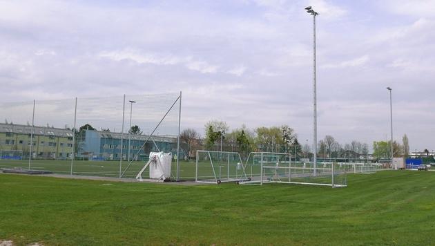 Die Ausrichtung dieses Fußballplatzes wurde bereits zweimal um 90 Grad verändert. (Bild: Gerhard Bartel)
