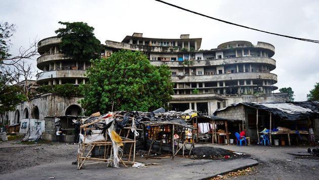 """Die einstige """"Perle Afrikas"""" ist heute ein Massenquartier für Arme. (Bild: Alexander Pawloff)"""