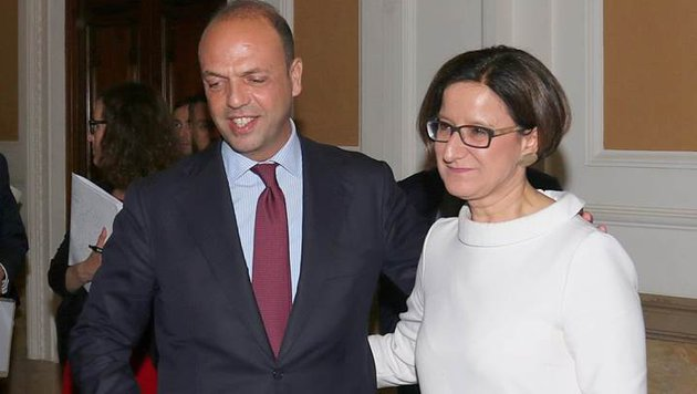Johanna Mikl-Leitner mit ihrem italienischen Amtskollegen Angelino Alfano (Bild: APA/BUNDESMINISTERIUM FÜR INNERES)